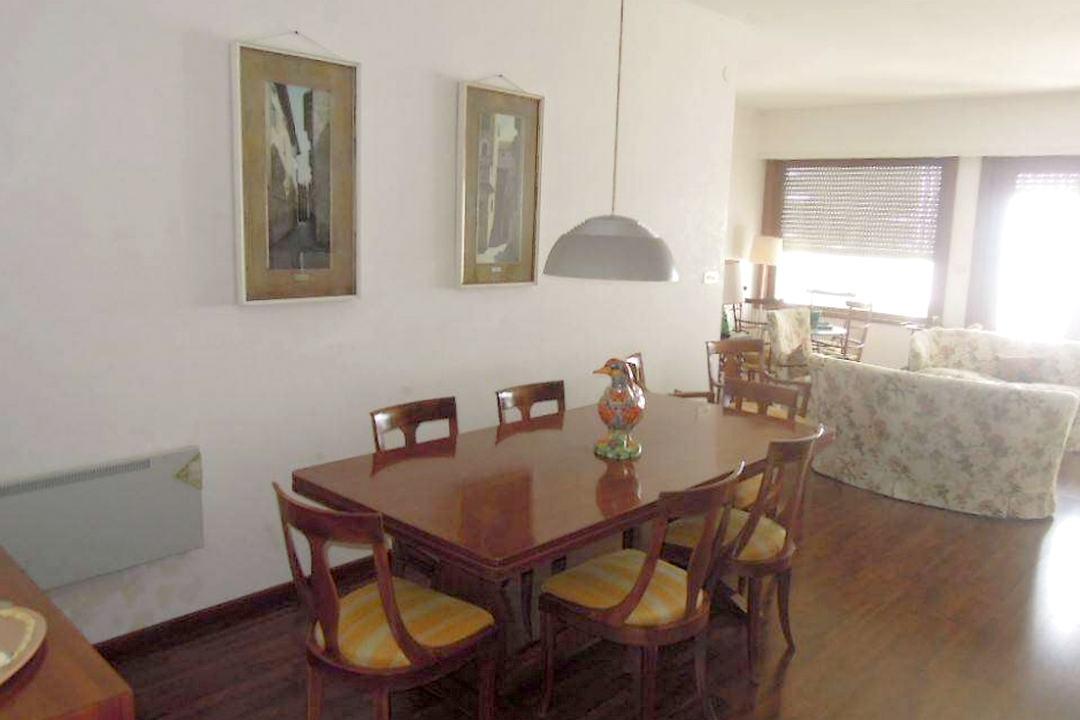 Grado, Italie, 4 Bedrooms Bedrooms, ,2 BathroomsBathrooms,Byt,Na prodej,1280